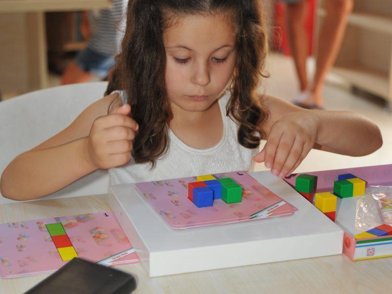 Seferihisarlı Çocuklar Oynayarak Öğreniyor