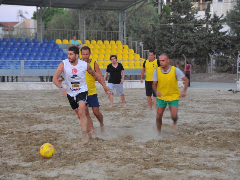 Acun Medya Seferihisar Plaj Futbol Sahasında