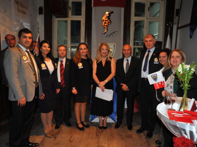 Mülkiyelilerden Başkan Soyer'e Üstün Hizmet Ödülü