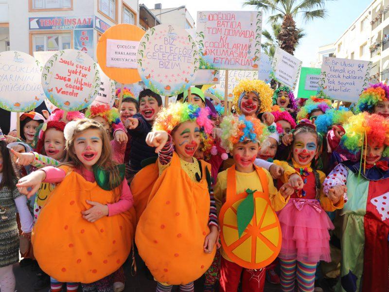 Seferihisar'ın C Vitaminli Bayramı Başladı