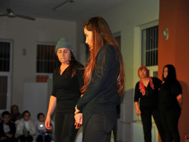 Kadınlar, Hakları İçin Sahnede