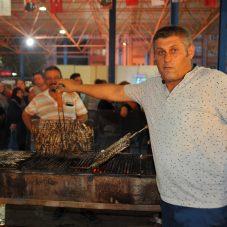 300 Kilo Hamsi, 100 Kilo Köfte, Sınırsız Horon