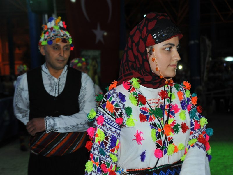 Sahnede Tokat Havası Halayda Tüm Türkiye