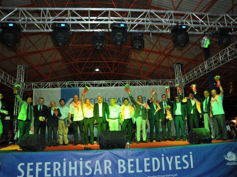 """Seferihisar'dan Türkiye'ye Mesaj: """"Barış Bu Kadar Kolay"""""""
