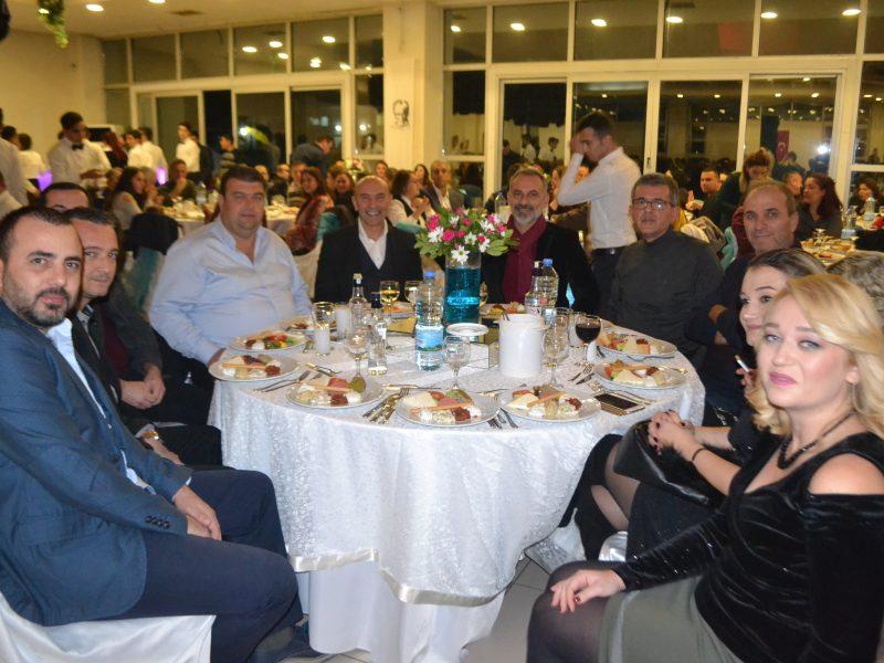 Belediye Ailesi Yılbaşı Yemeğinde Buluştu