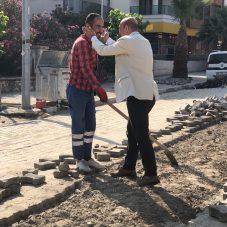 Başkan Soyer'den Çalışan İşçilere Ziyaret