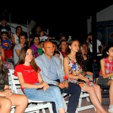 Seferihisar'ın Tiyatrocu Ordusu Festivalde Buluştu