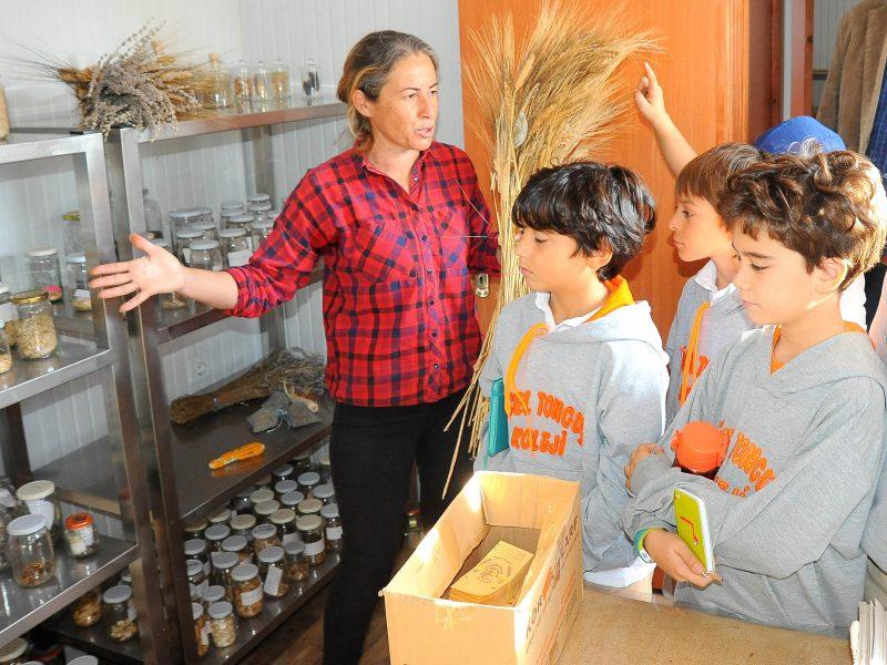 Öğrenciler Toprak ve Tohumla Buluştu