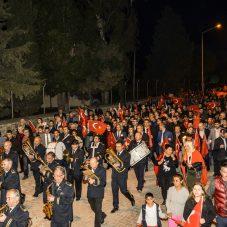 Seferihisar'da Her Yıl Olduğu Gibi Genci Yaşlısı Çanakkale Şehitleri İçin Yürüdü