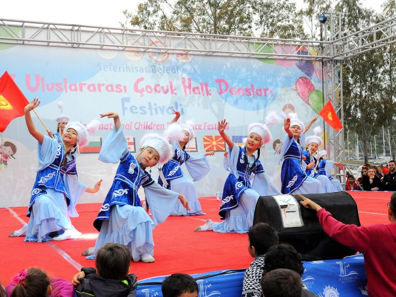Uluslararası Halk Dansları Festivali gala gecesiyle tamamlandı