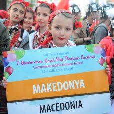 Dünya Çocukları Seferihisar'da Bayramlarını Kutluyor