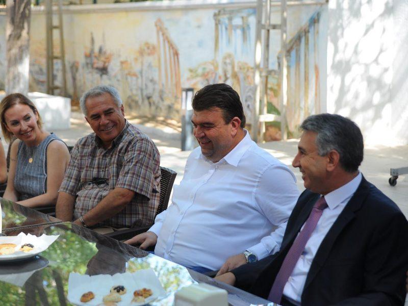 Seferihisar'da resmî bayramlaşma töreni Askeri Gazino'da gerçekleşti