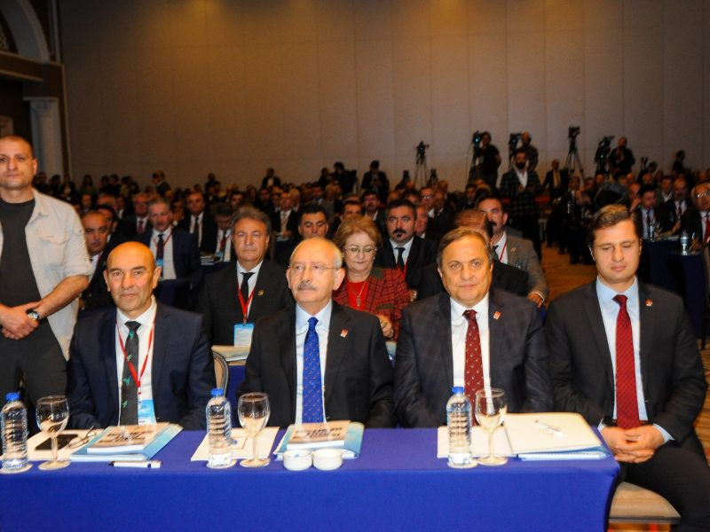 252 belediye İzmir'de buluştu