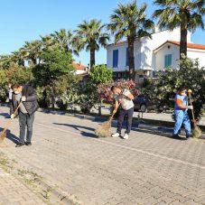 Başkan Yetişkin Seferihisar sokaklarında bayram temizliği yaptı