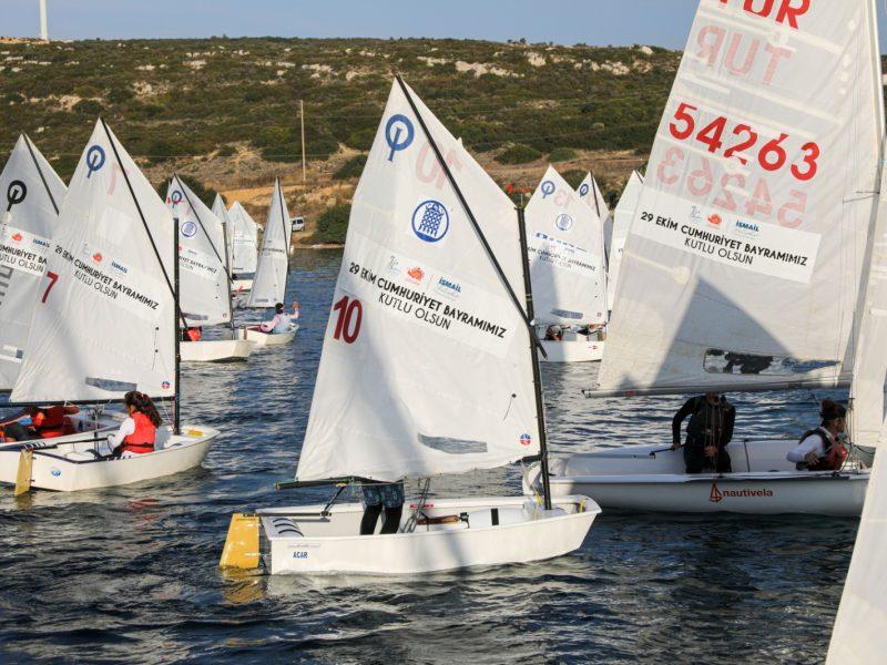 Seferihisar Belediyesi'nden 29 Ekim Cumhuriyet Kupası Yelken Yarışları