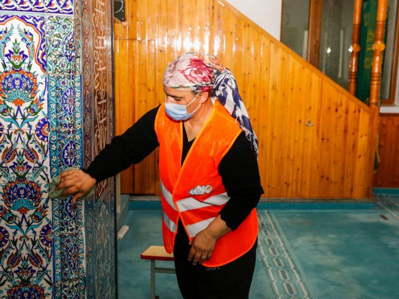 Ramazan Ayı öncesi camiler temizleniyor