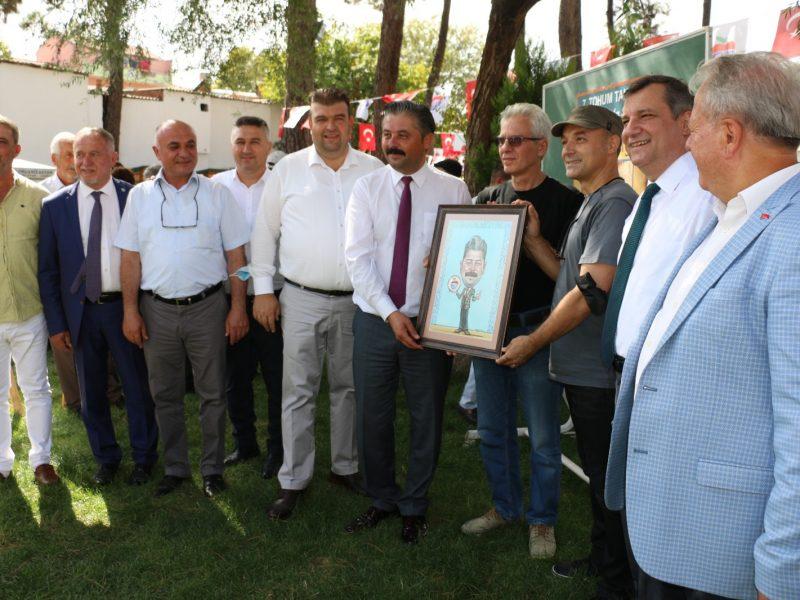 Seferihisar Belediye Bandosu Bayramiç'in kurtuluş coşkusuna ortak oldu