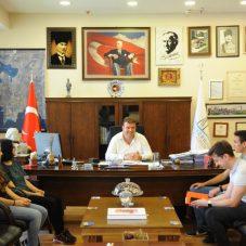 Seferihisar Belediyesi'nden üniversiteli gençlere destek